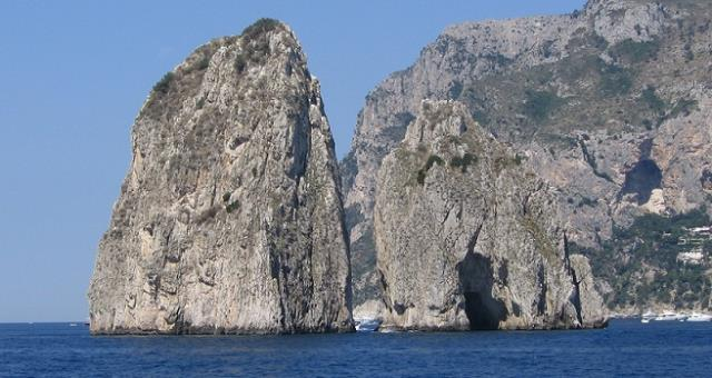 During your stay at the Best Western Hotel La Solara, Sorrento 4-star, you can organise excursions to Capri