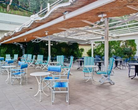 Would you like to visit Sorrento and staying in a hotel full of services? Book Best Western Hotel La Solara