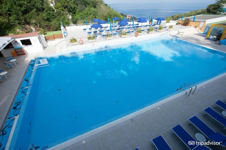 Swimming pool hotels in sorrento best western hotel la - Hotel in sorrento italy with swimming pool ...