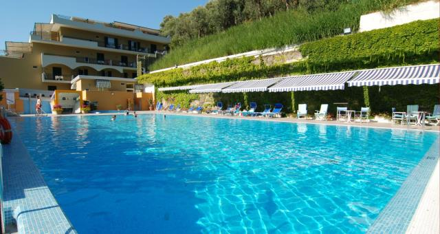 Swimming Pool Hotels In Sorrento Best Western Hotel La Solara
